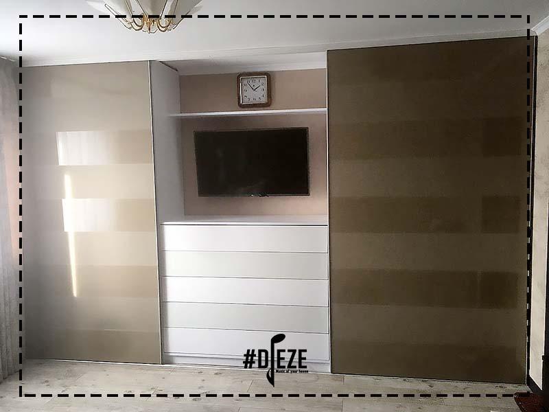 Шкаф купе с нишей для ТВ