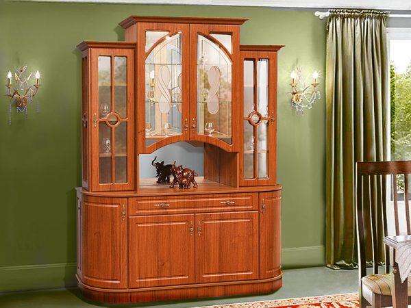 Гостиная Цезарь от мебелной фабрики Свит меблив в цвете орех в классическом стиле